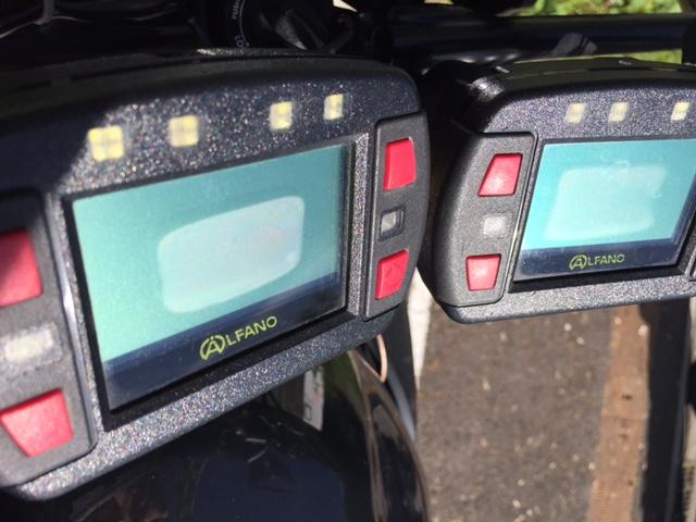 chronomètre et GPS sur motos